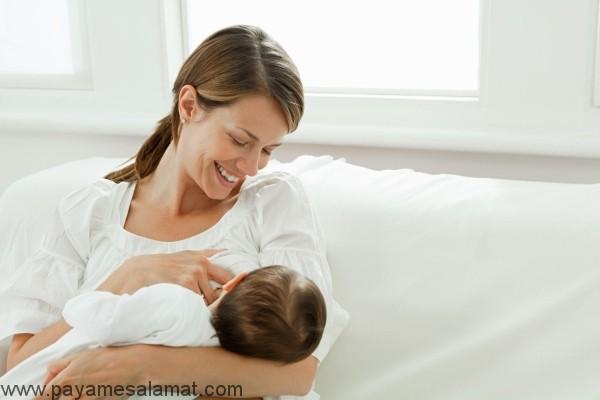 فواید تغدیه با شیر مادر برای نوزادان و مادران
