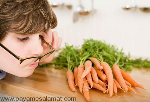 ۷ غذای مفید برای سلامتی چشم