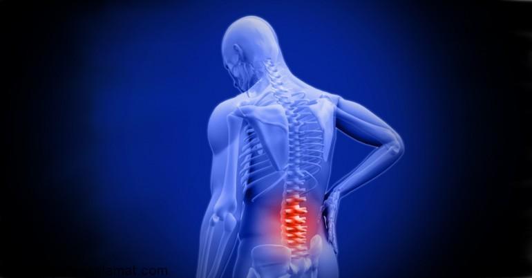 علت درد پایین کمر و بهترین درمان ها برای آن