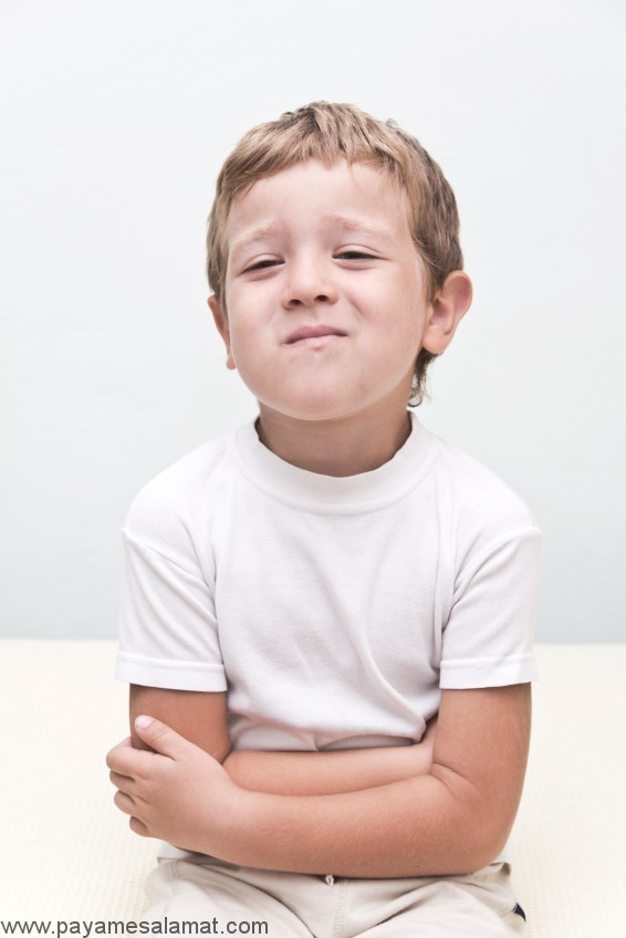 علت درد معده و درد شکم در کودکان و بهترین اقدامات برای مراقبت از آن ها