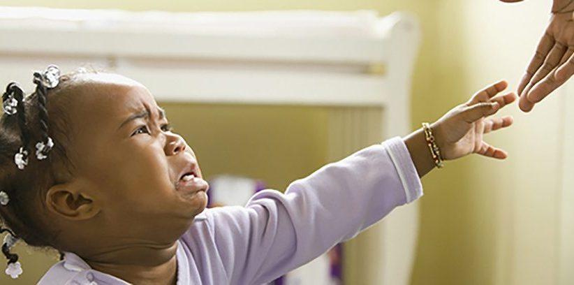 همه چیز در مورد اضطراب جدایی در کودکان و نوزادان