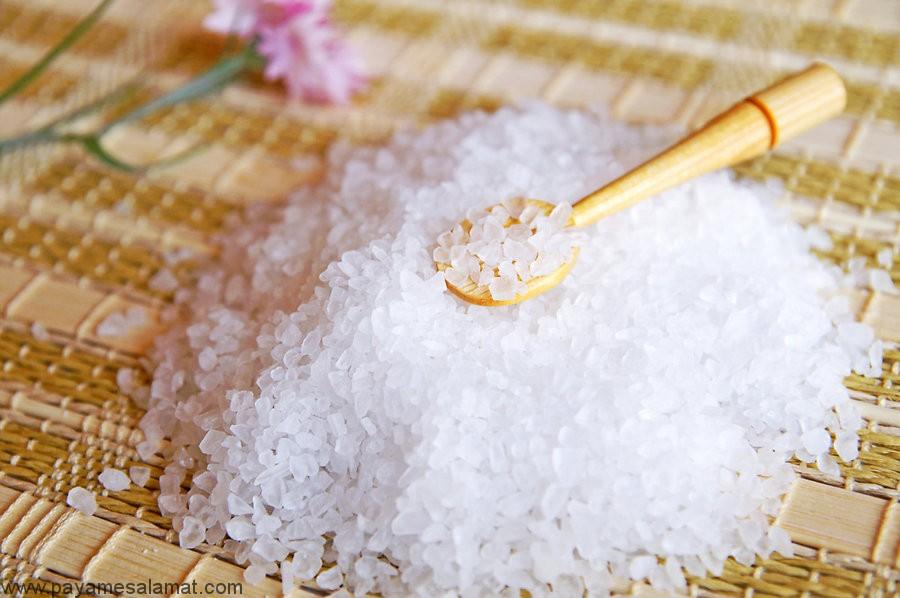 روش های تهیه اسکراب خانگی نمک دریایی برای استفاده بر روی کل بدن