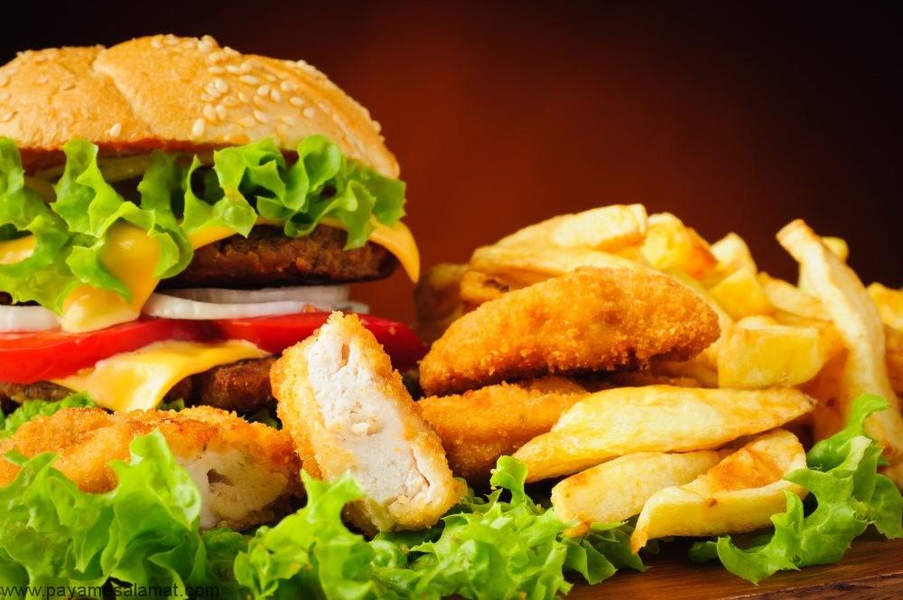 ارتباط بین فست فود و فشار خون بالا چیست؟ آیا خوردن این غذاها فشار خون را بالا می برد؟