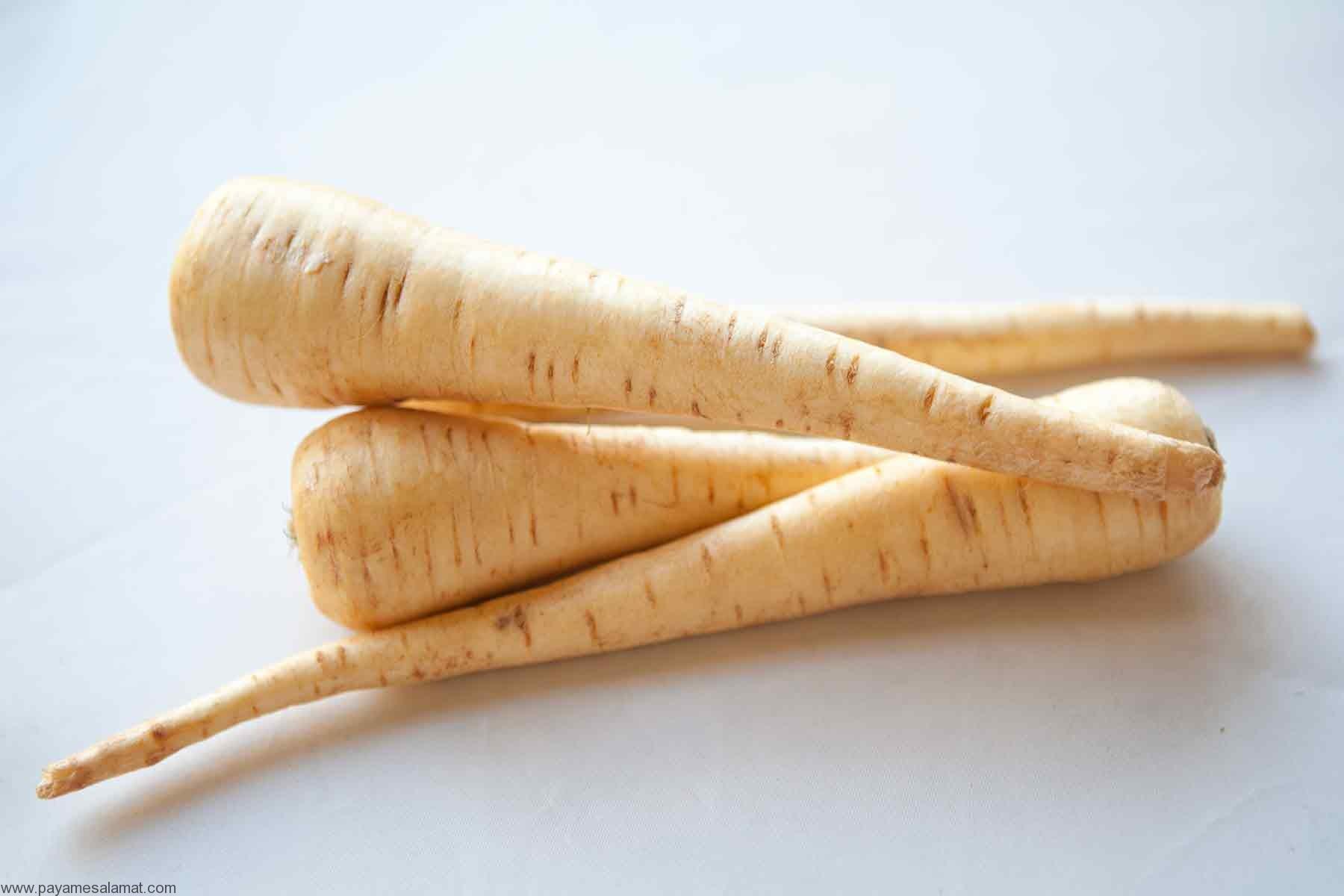 خواص هویج وحشی برای چشم، قلب و دستگاه گوارش به همراه ارزش غذایی این گیاه