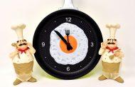 تا چه مدت بعد از غذا خوردن نباید خوابید؟