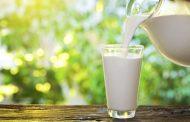 مقایسه شیر کم چرب و شیر پرچرب (شیر کامل) و ارزش غذایی این دو ماده