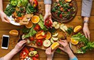 با ۱۰ نمونه از مواد غذایی مفید برای بهبود قدرت بینایی بیشتر آشنا شوید
