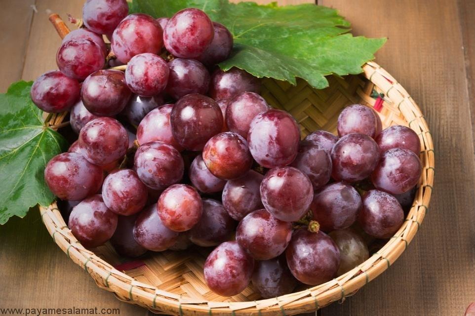 مزایای مصرف انگور قرمز بدون هسته چیست؟
