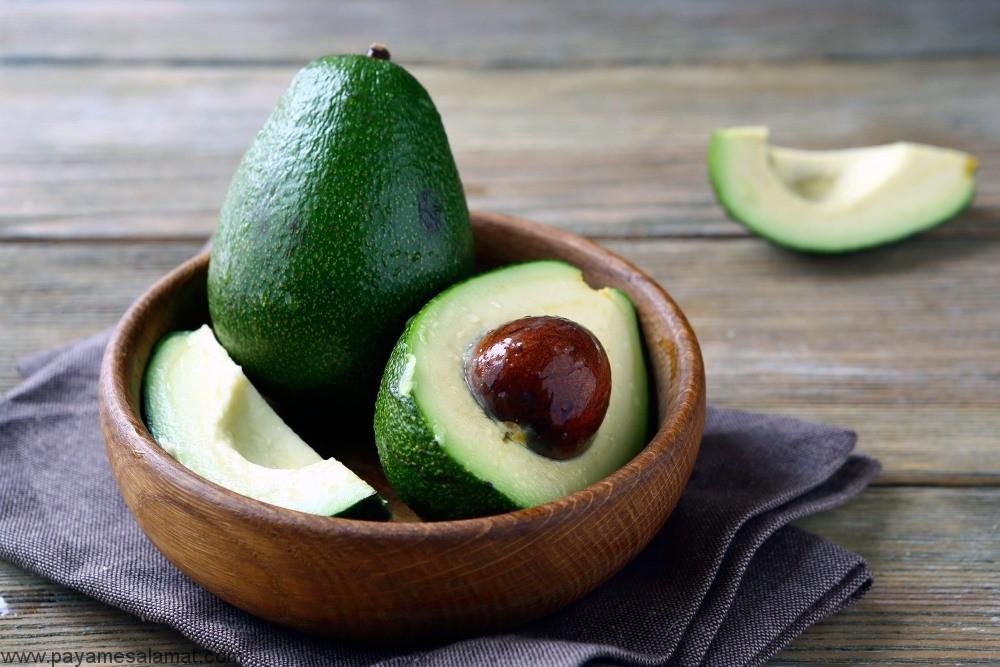 آووکادو و خواص این میوه برای پشیگیری از سرطان، بهبود سلامت قلب و کاهش وزن