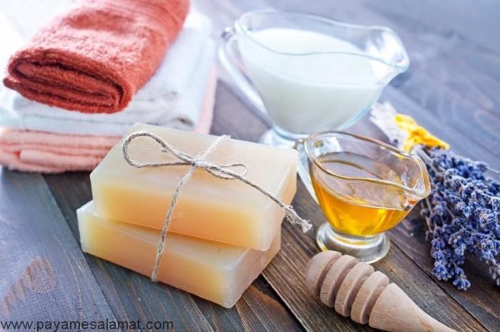 چگونه می توان در خانه صابون ضد عفونی کننده طبیعی درست کرد؟