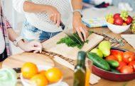سردرد و مواد غذایی ؛ کدام مواد غذایی می توانند سردرد ایجاد کنند؟
