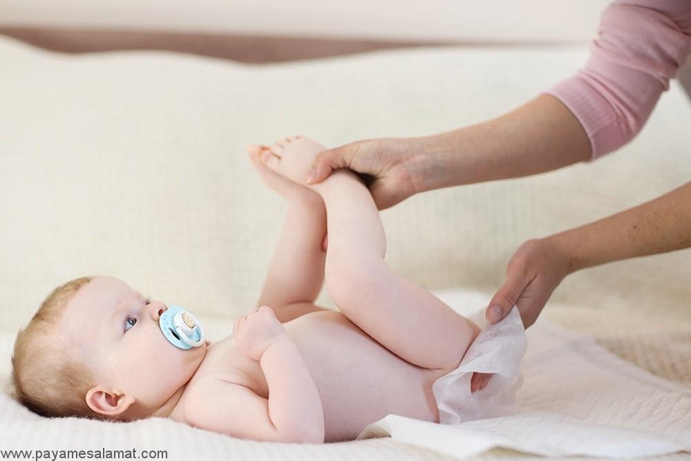 درمان یبوست در نوزادان در خانه و به کمک چند روش ساده