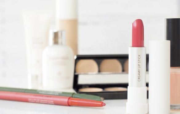 پارابن چیست و چرا وجود این ماده در محصولات آرایشی برای بدن خطرناک است؟